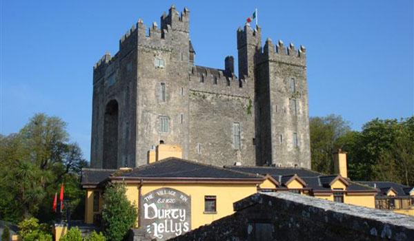 Bunratty Castle with Durty Nellys famous pub in the foreground