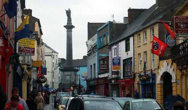 The Daniel O Connell monument in the heart of Ennis Town