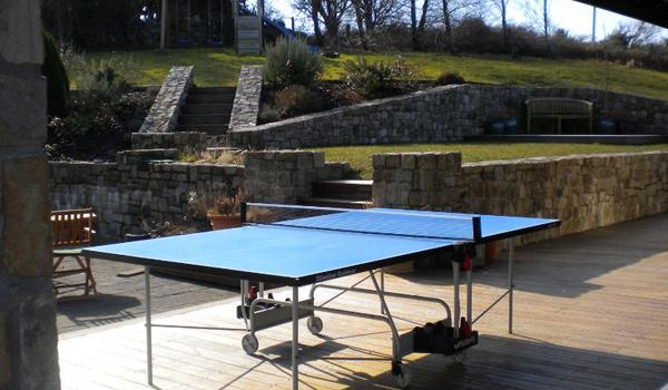 Eden Cottage Retreat: Table Tennis on the Deck