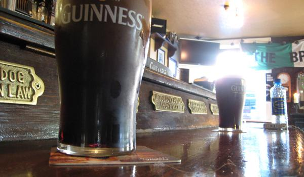 A pint of Guinness settles....almost ready for consumption!