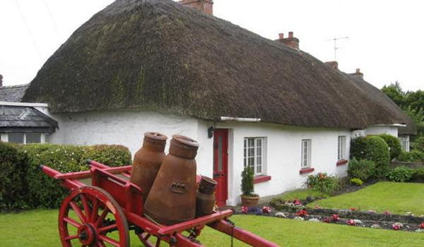 Thatched Cottage in Charming Adare Village