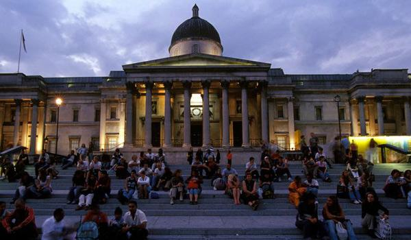 Trafalgar Square Welcomes the Crowds at Dusk