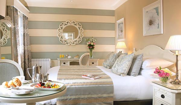 International Hotel Killarney Guestroom with food platter